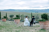 Wedding photoshoot for Korean couple in Tuscany