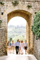 Family Vacation photographer in Monteriggioni Siena